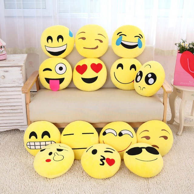 coussin emoji acheter ou fabriquer un coussin smiley coussin caca jenny on the blog. Black Bedroom Furniture Sets. Home Design Ideas
